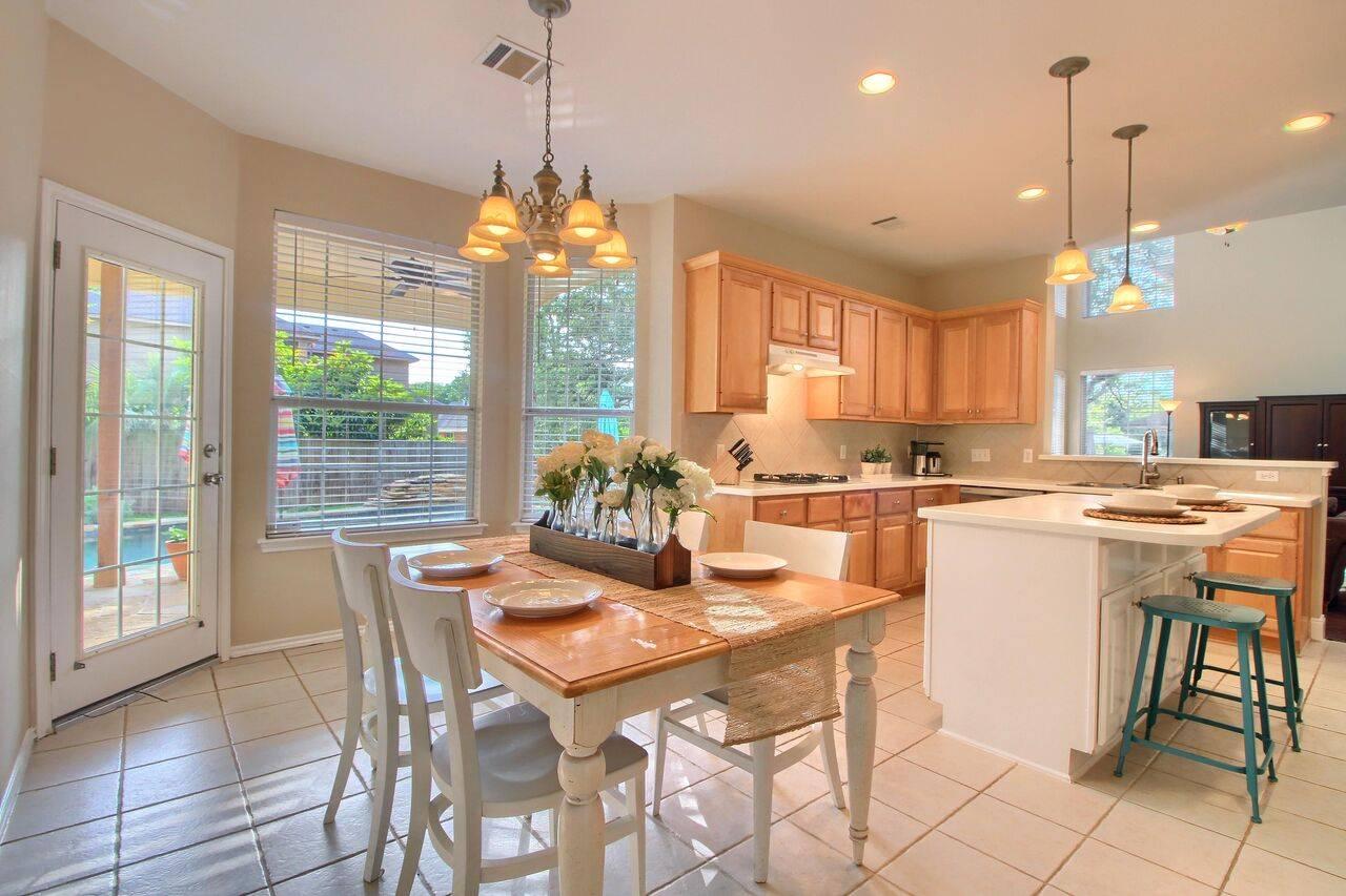 Oak Brook home in Austin TX for sale