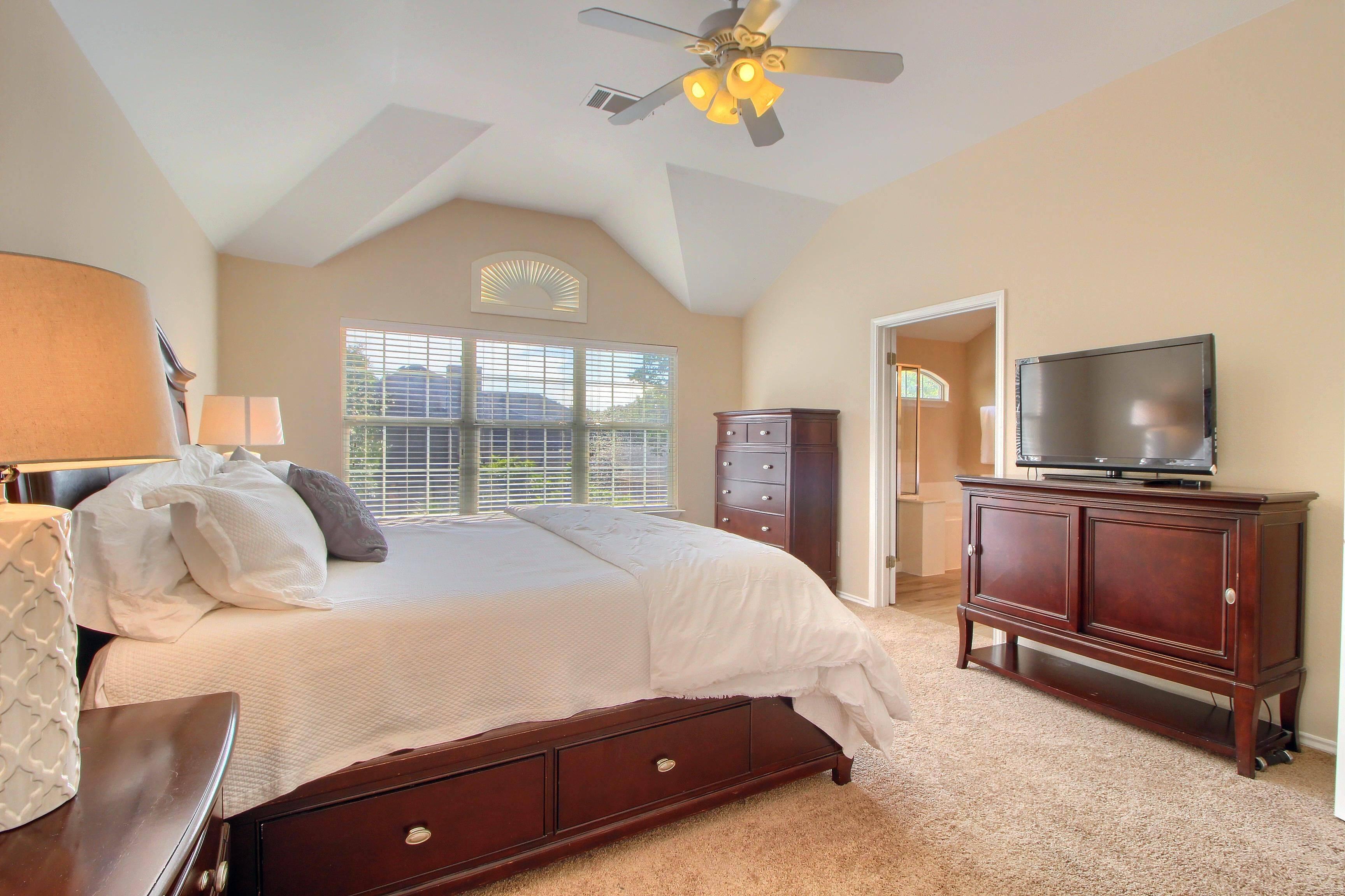 Austin TX home listed by Stuart Sutton
