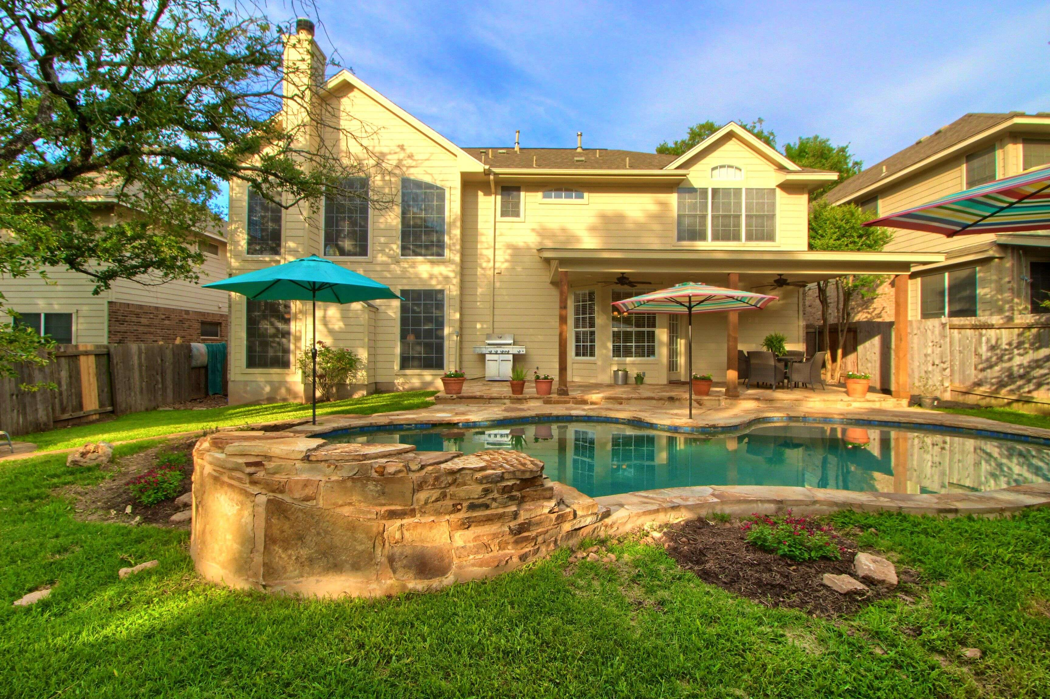 Austin TX home with swimming pool for sale