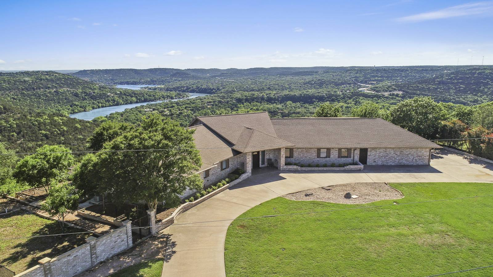 Leander TX acreage home 18101 North Rim