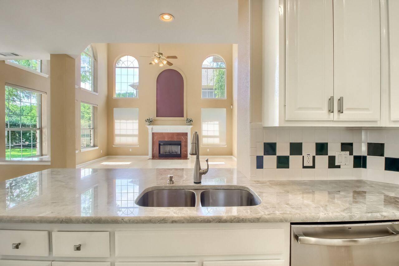 Stuart Sutton REMAX 1 lists Georgetown TX homes