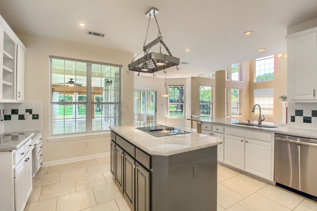 Georgetown TX home listed by Stuart Sutton REMAX 1