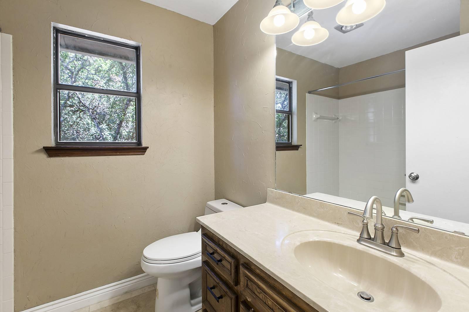Georgetown TX acreage home 307 Fawnridge