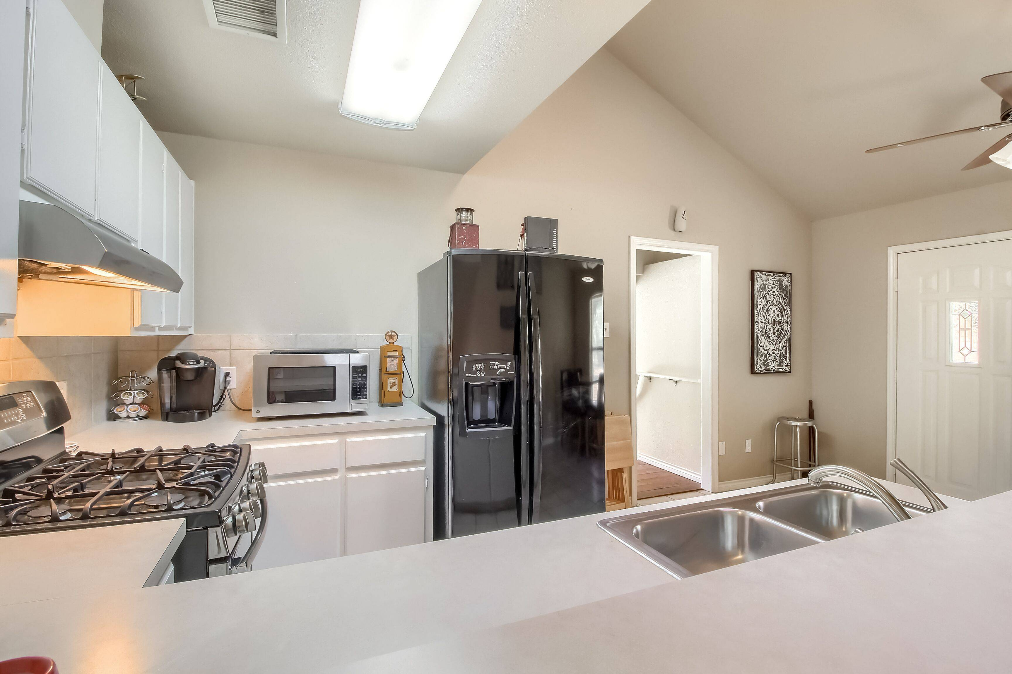 Georgetown TX acreage home with guest apartment