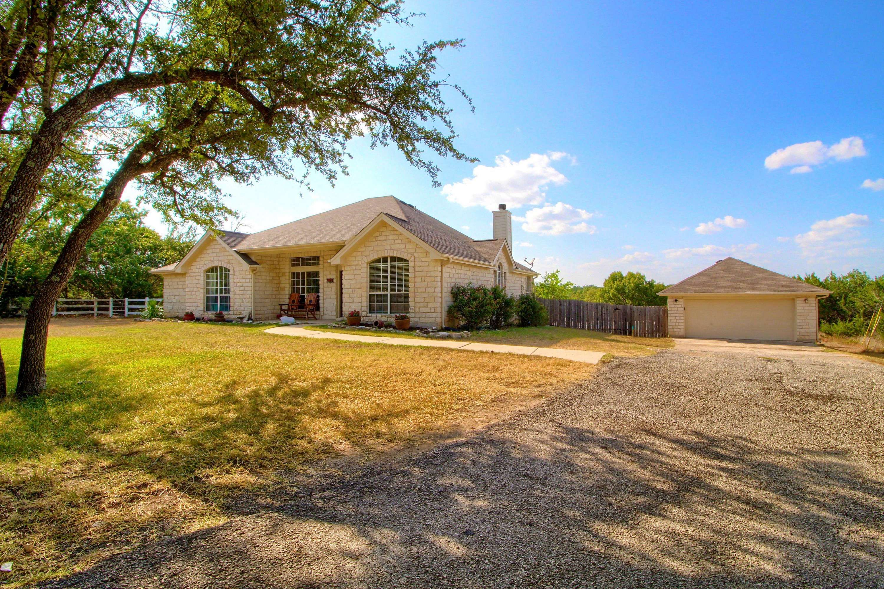 285 n. Showhorse Drive Liberty Hill TX home for sale