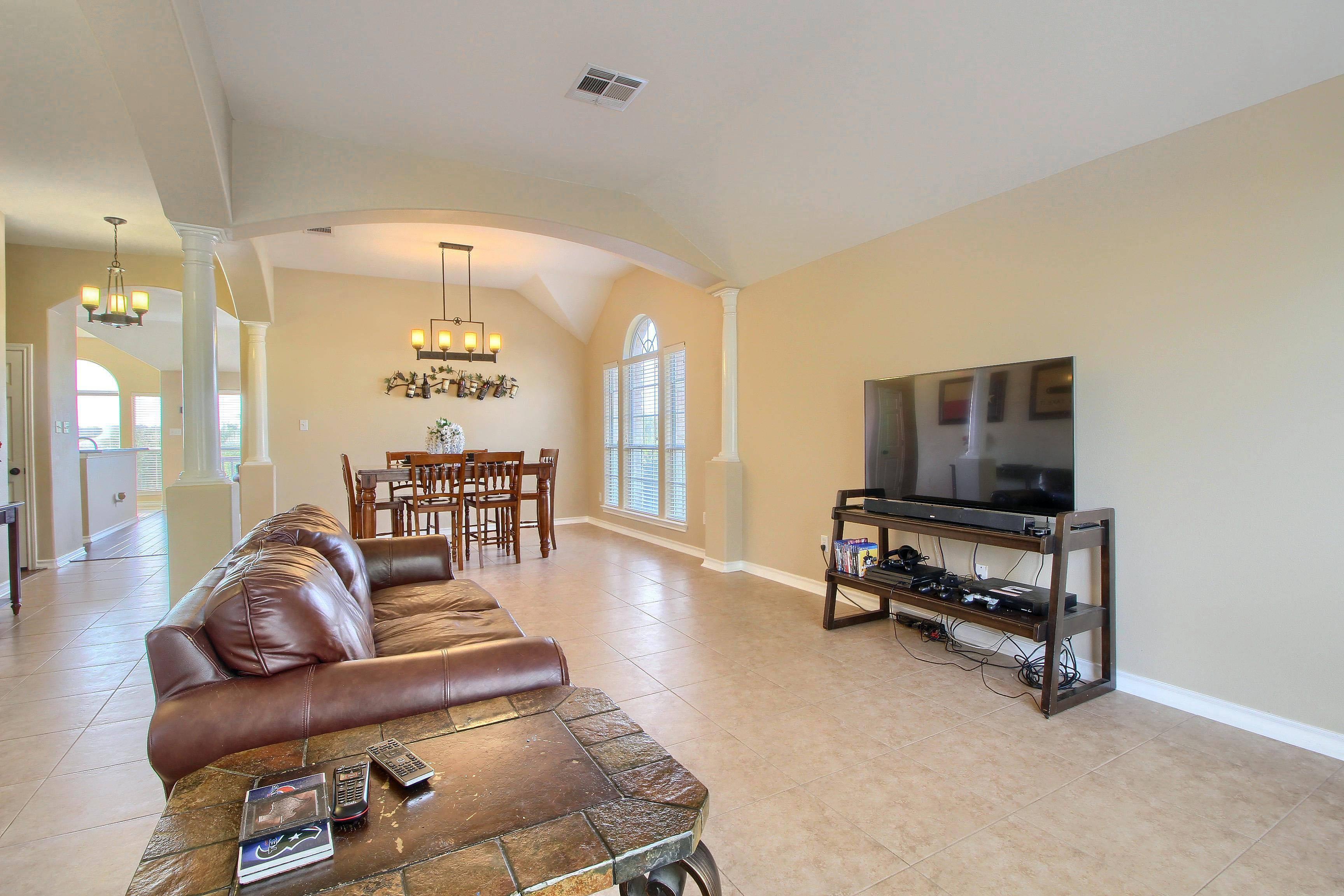 Stuart Sutton lists acreage homes for sale