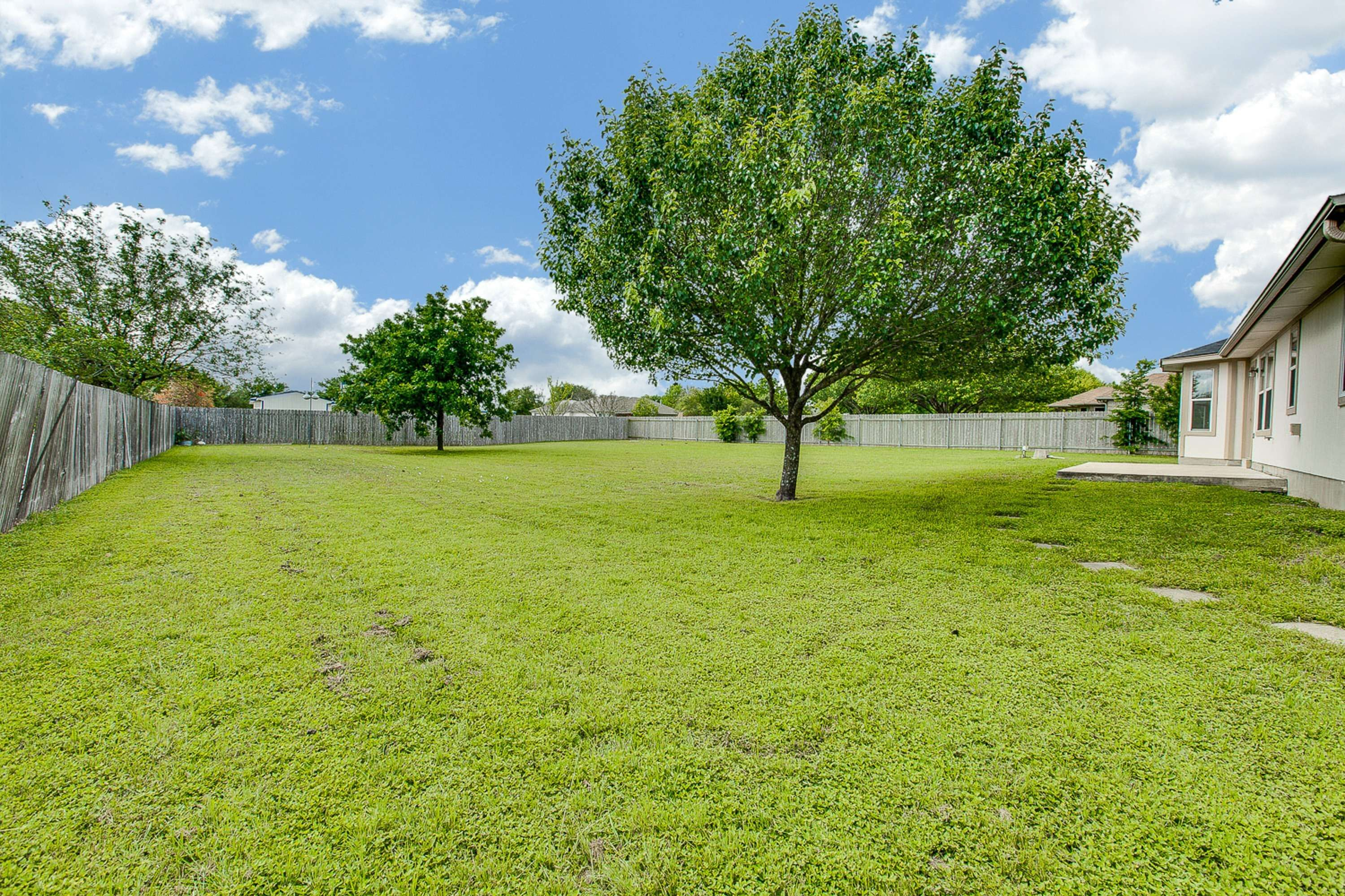 acreage home Round Rock Tx