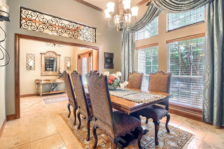 Stuart Sutton lists homes on acreage Georgetown TX