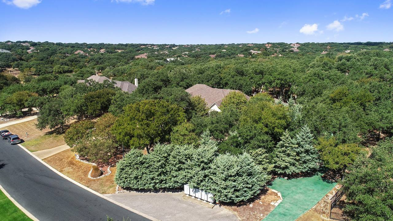 Georgetown TX home on acreage for sale