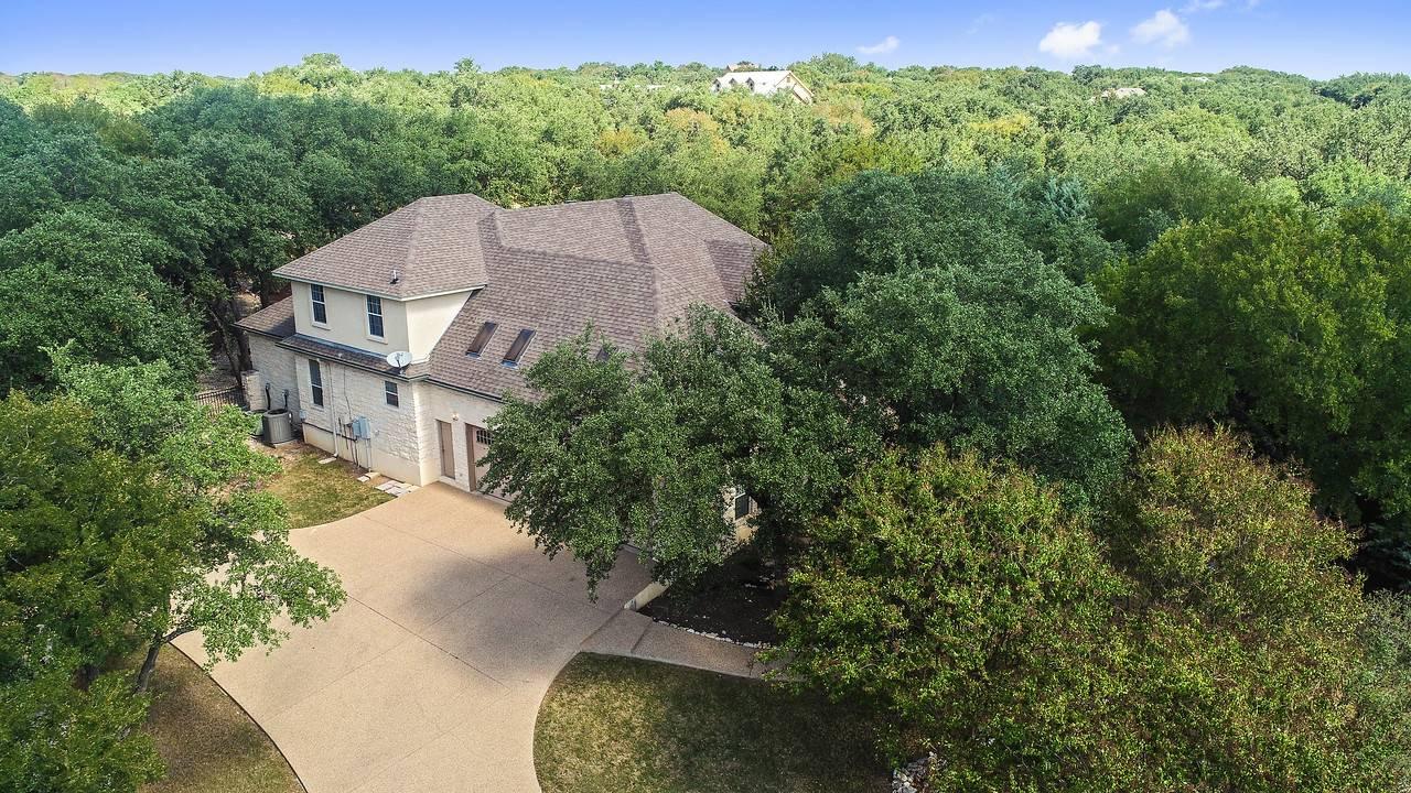 Stuart Sutton lists acreage homes Georgetown TX