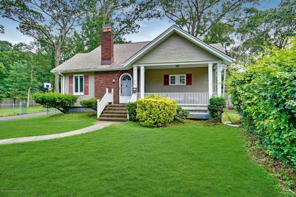 Homes For Sale in Oakhurst, NJ - Cathy Ades Real Estate