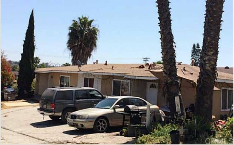 326-28 Selmalita Terrace, Vista, CA 92083 - MLS#200011175 - Candi DeMoura - Compass