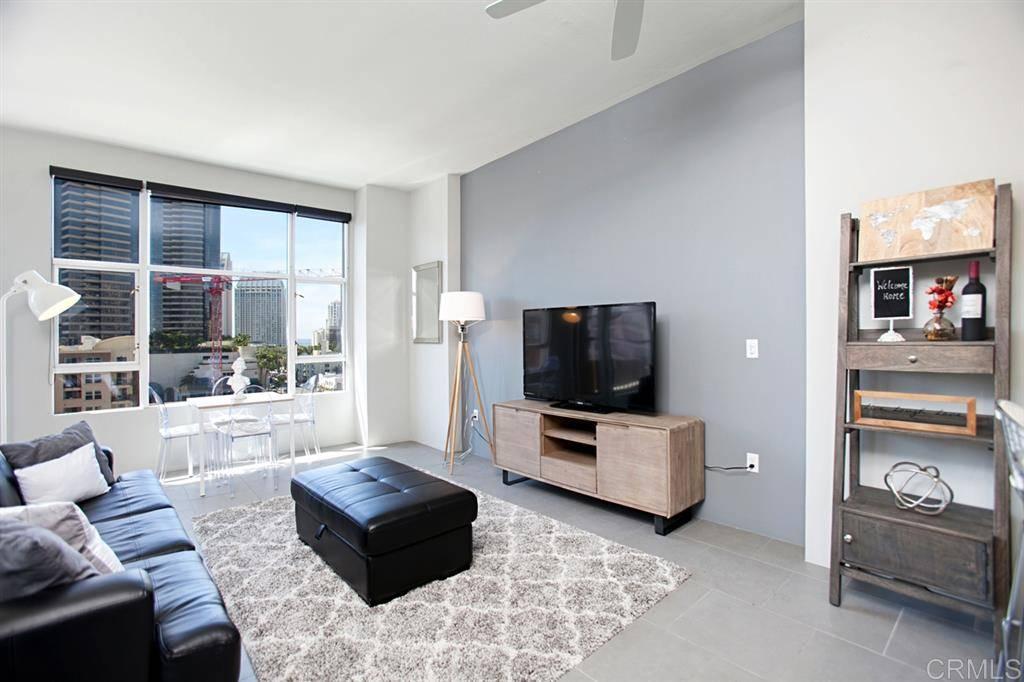 530 K St #607, San Diego, CA 92101 - MLS#200043679 - Candi DeMoura - Compass
