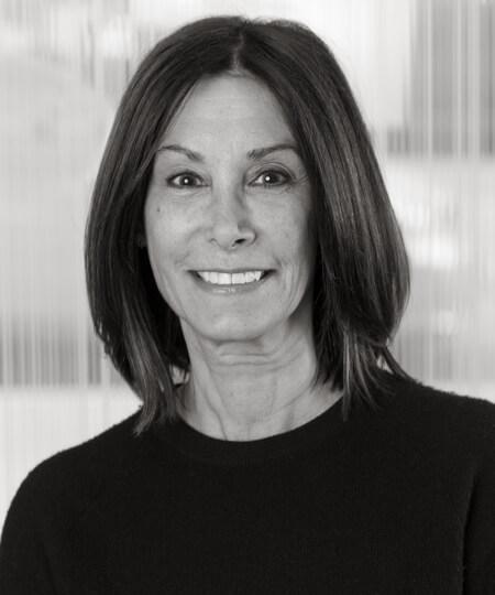 Gwen FarinellaRelated Sales