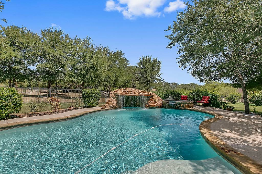 Woodland Park Georgetown TX acreage homes