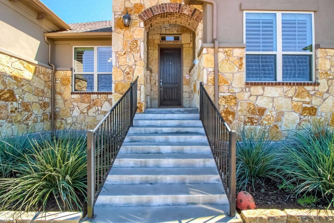 108 Willow Run Georgetown TX acreage home