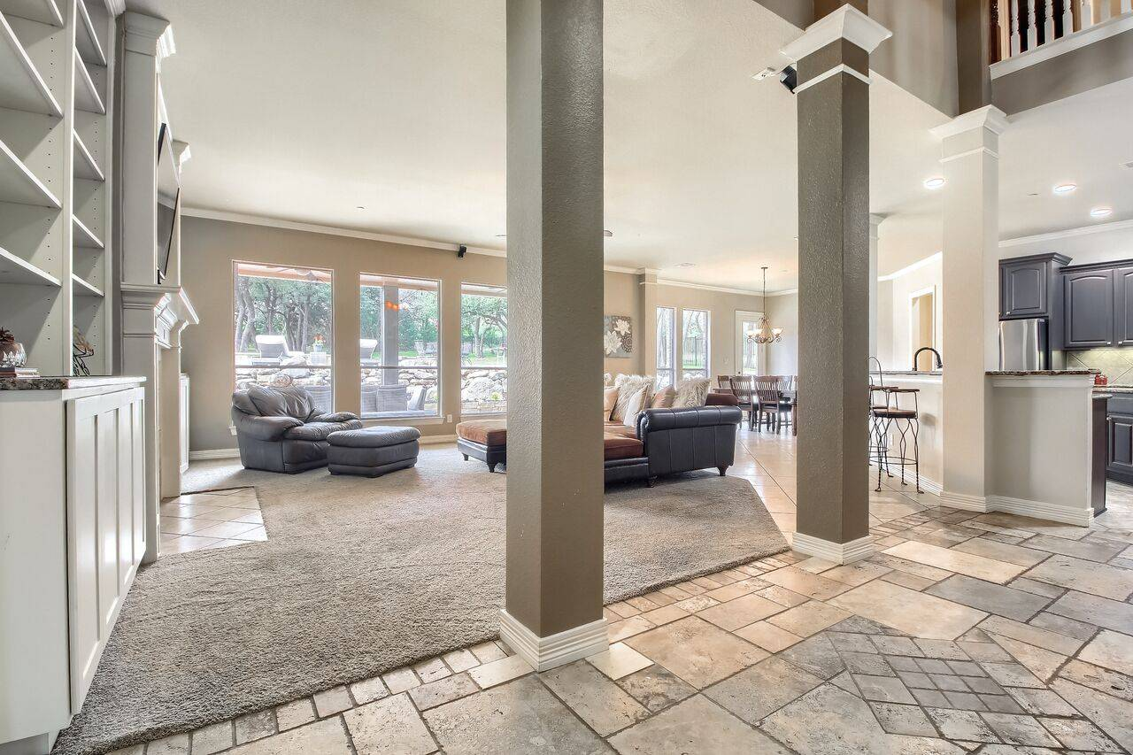 Leander TX acreage home in Grand Mesa