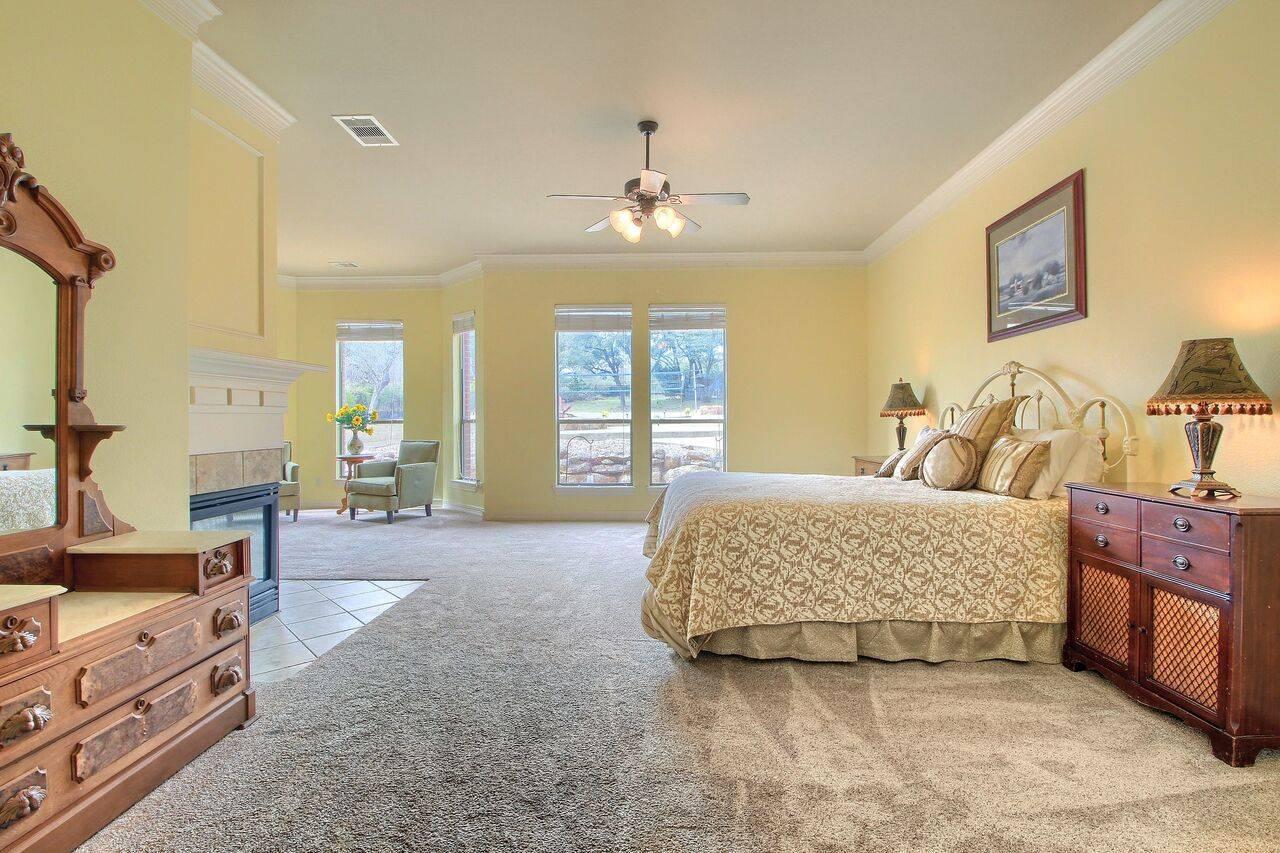 Grand Mesa home on acreage leander TX