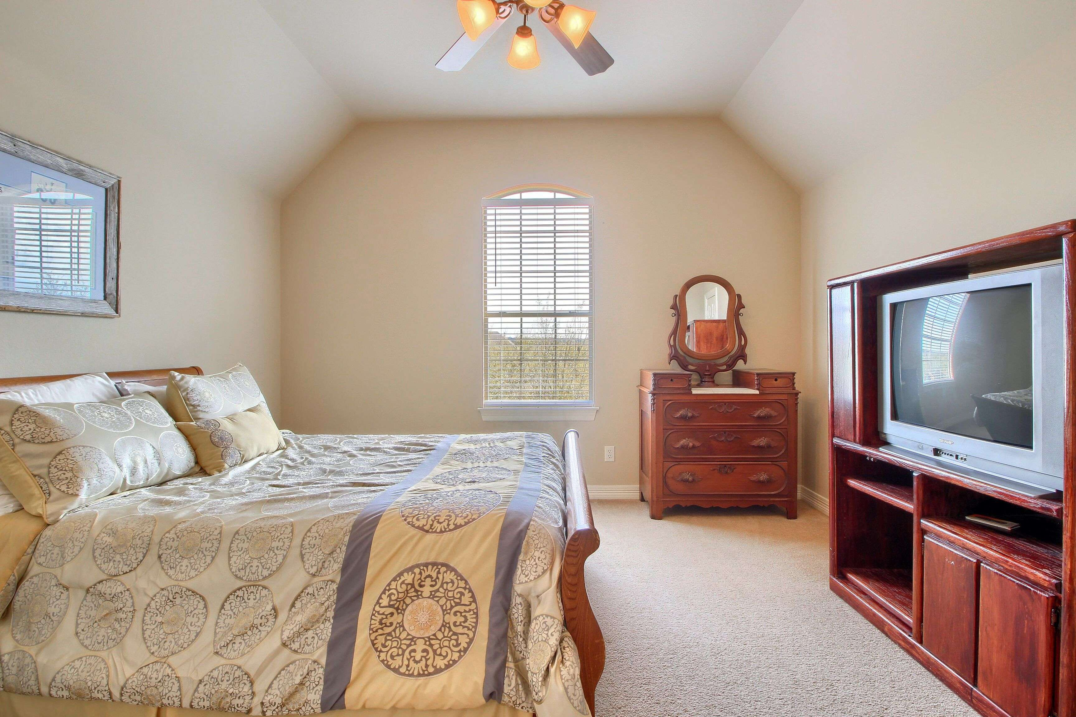 leander Tx home for sale on acreage
