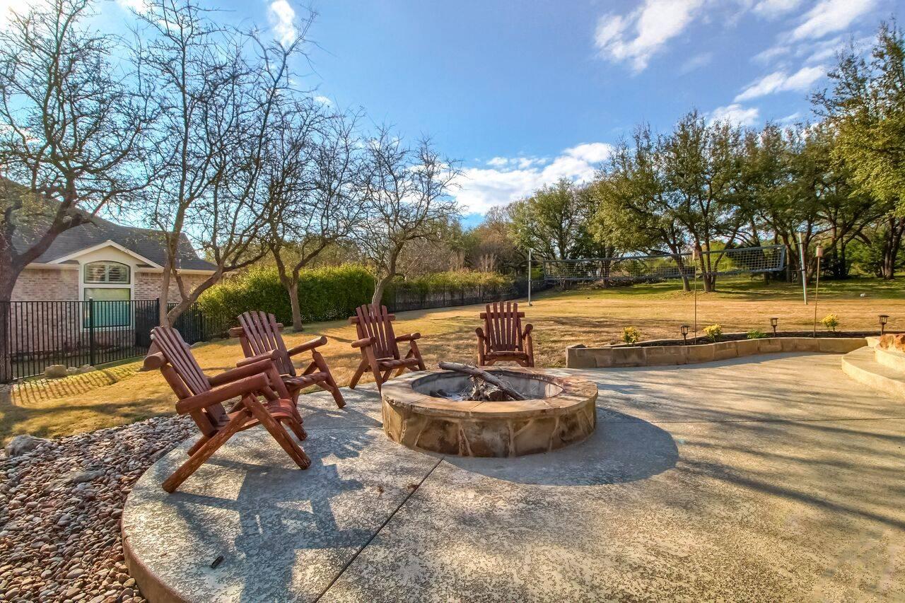Leander Tx acreage home for sale