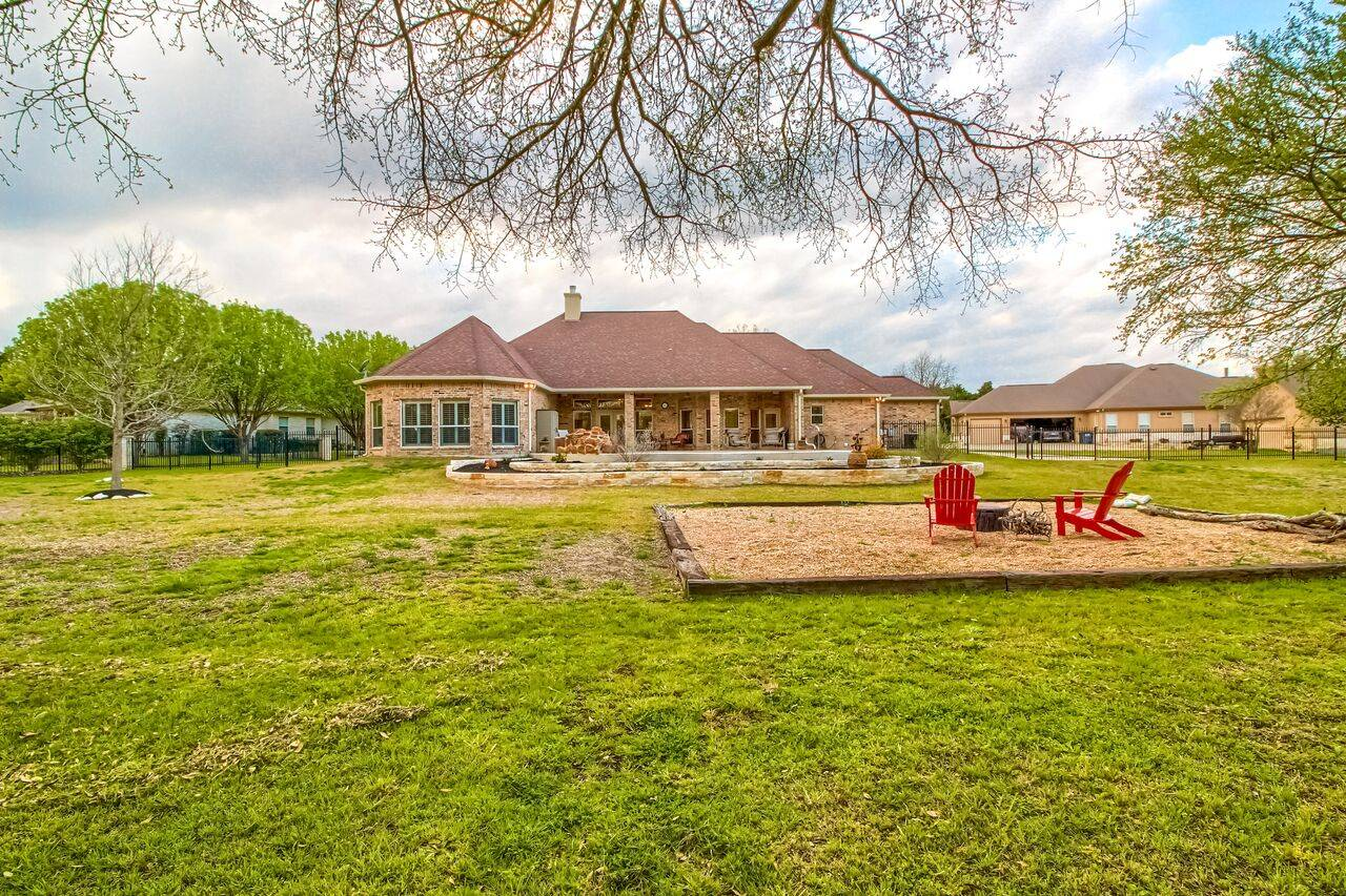Georgetown TX acreage home Woodland Park