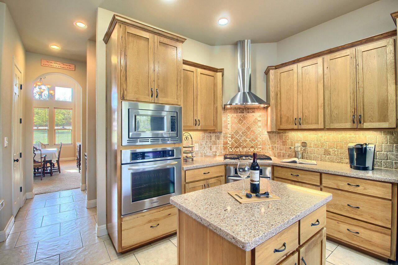 Georgetown TX acreage home 525 Twin Springs