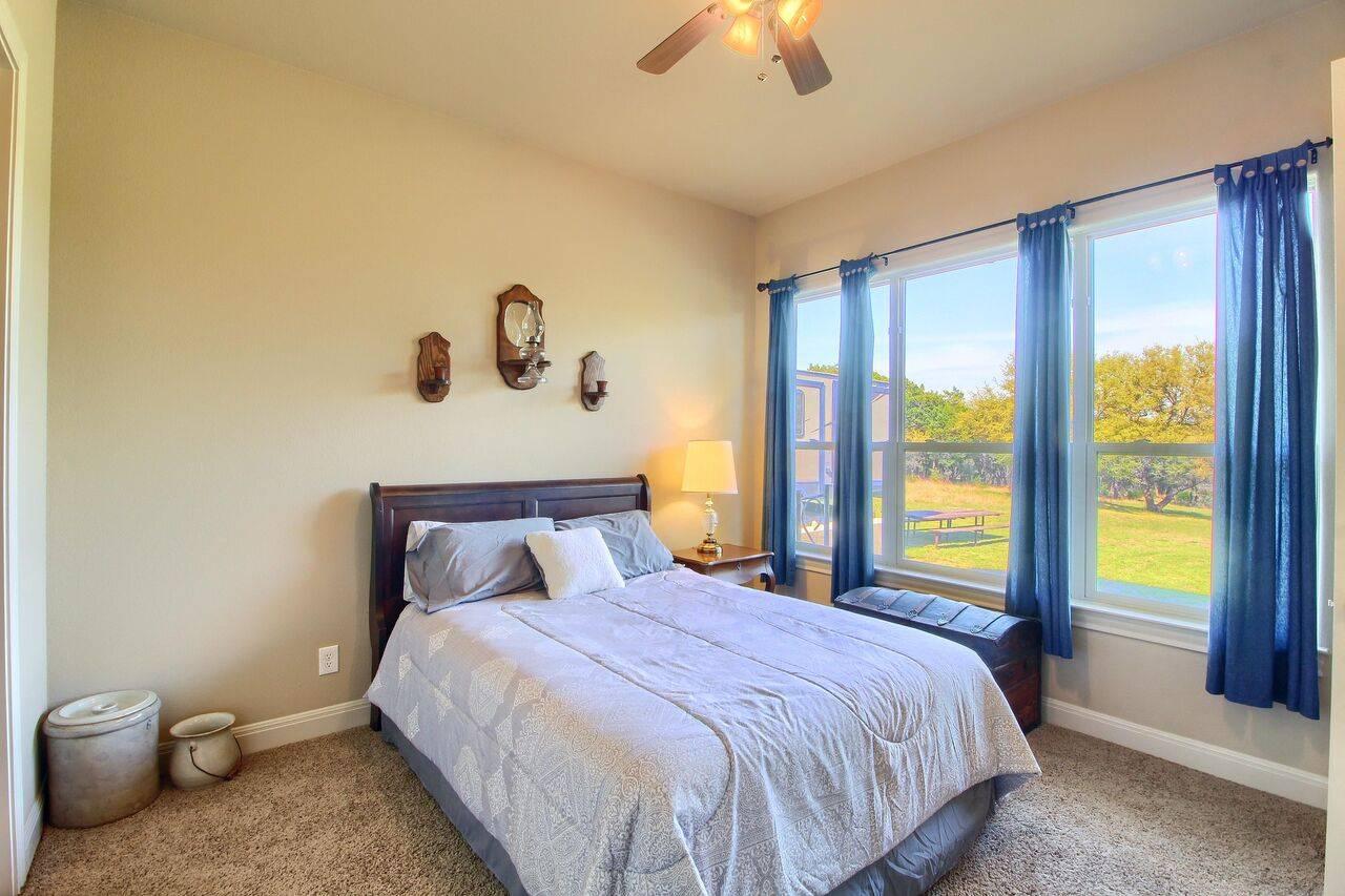 Georgetown TX acreage home