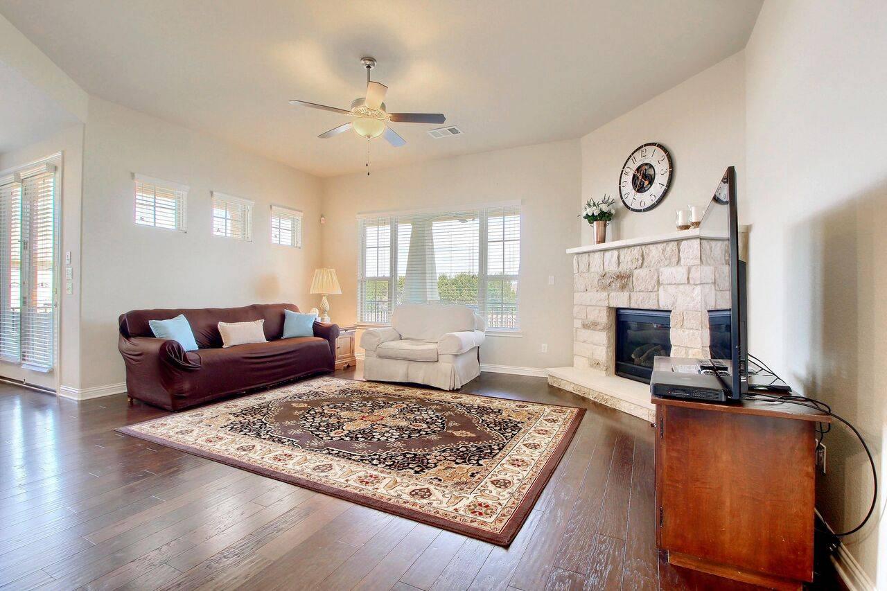 Bryson home for sale 317 Chitalpa St